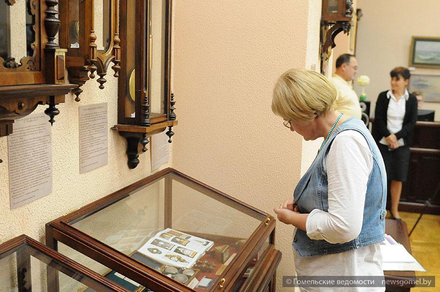 Выставка старинных