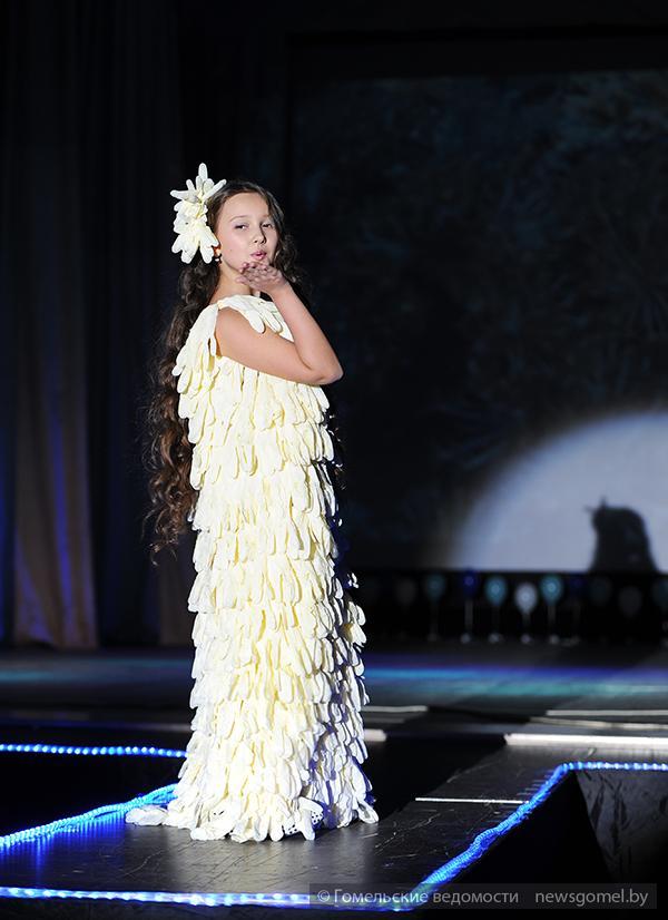 Детское платье из подручных материалов на конкурс своими руками