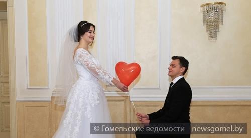 ВПензе 30 пар заключили супружеский союз наДень влюбленных