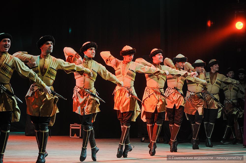 страны, картинки танцев адыгов важно