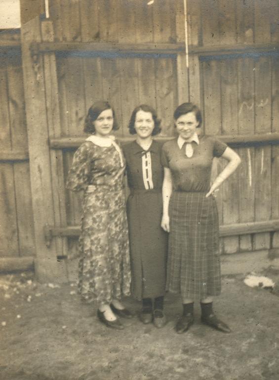 Племянницы Лида, Зина, Надя. Гомель. 1937 год. Архив Александра Артвея (Филадельфия. США)